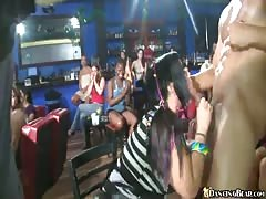 Muscled stripper Dancing Bear banging with completely amateur chicks Thumb