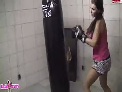 Outdoor blowjob by sporty flexy brunette for her trainer Thumb