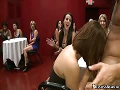 Stripper with huge dick drilling slutty whore in her face Thumb