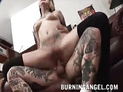 Fully tattooed Emo slut shows off her love for long-cocked bf Thumb