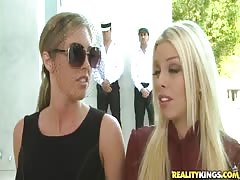 Sweet foursome banging with two outstanding blondes Thumb