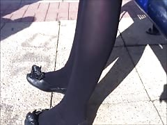 Black pantyhose and flats shoeplay Thumb