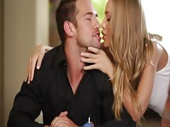 Awesome woman is blowing horny pole of her new lover Thumb