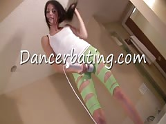 Sensual dance with an outstanding Dancerbating model Thumb
