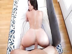 Muscled fucker banging with big-breasted brunette milf Thumb