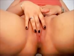 Cute Fat Chubby GF masturbating her Pussy on Cam Thumb