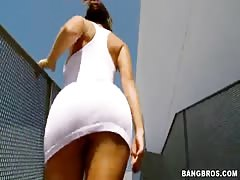 Ultra spicy Latina lifting up her white dress for a little Thumb