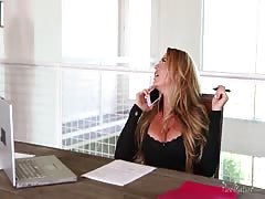 Sexy businesswoman getting pleased by a new worker Thumb