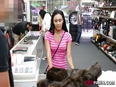 Sexy Latin girl in tight jeans came into the store to earn money Thumb