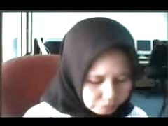 indonesia- ibu jilbab tudung depan webcam Thumb