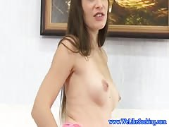 Brunette bj amateur gets a messy facial Thumb