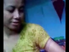 Bangla Desi Shameless Aunty Suck Musolmani of NOT nephew Thumb