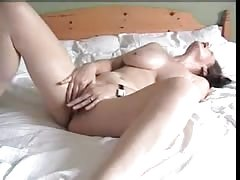 Sexy wife bringing herself to an orgasm Thumb