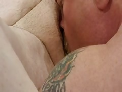 Hubby eating out his gorgeous wife with the HUGE clit!! Thumb