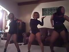 3 Hot Ebony Women dance very sexy Thumb