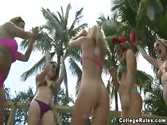 Hot outdoor sex with yummy college babes fucking around Thumb