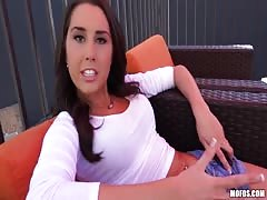 Sexy busty teen is ready to suck my dick for the cash Thumb