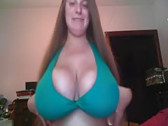 Busty Amateur On Cam BVR Thumb
