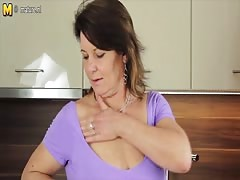 Hot mature mother plays with her wet pussy Thumb