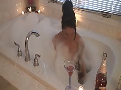Nikki Sims New Years 2011 HD Thumb