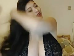 huge titties camgirl Thumb