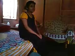 Bangla desi bhabi Rima take a risk to showing Devar Thumb