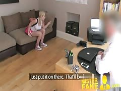 MisterFake Cute and flexible blonde girl spreads her legs Thumb
